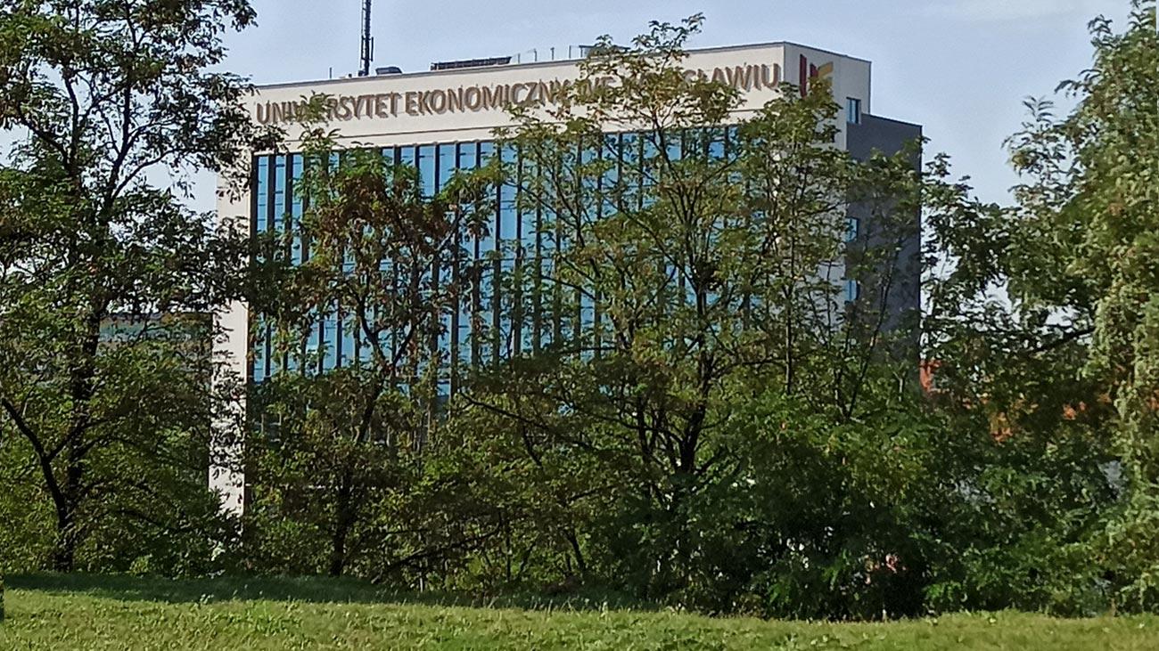 Uniwersytet Ekonomiczny we Wrocławiu ul. Komandorska